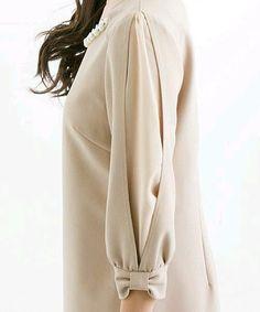 Sleeve Designs - Her Crochet Kurti Sleeves Design, Sleeves Designs For Dresses, Dress Neck Designs, Sleeve Designs, Abaya Style, Hijab Style, Designer Kurtis, Designer Dresses, Kurta Designs