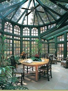 Der erste Tanglewood Wintergarten garden architecture interiors Conservatory with forest green interior and glass roof Glass Ceiling, Glass Roof, Sky Ceiling, Ceiling Panels, Interior Exterior, Exterior Design, Interior Garden, Room Interior, Window Greenhouse