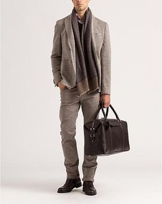 Herbstlich rustikales Outfit in Beige- und Brauntönen. Sakko, Strickoptik mit Kontrastseite, beige (€ 399,90).   René Lezard