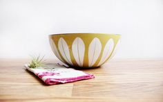Large 9.5 Cathrineholm Enamel Lotus Bowl in by ChapsAndRascal, $130.00