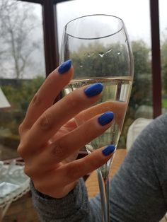 Easter bank holiday only means one thing... almond nails and bubbles nail inspo from almondnails.com Blue nails Almond Nails Shellac Nail polish Gel nails Glitter nails Nail inspiration Natural nails