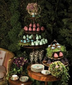 www.castlesandcarriages.blogspot.com: Midsummer Nights Dream Wedding Inspiration