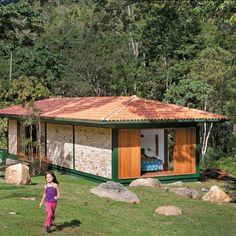 Chalé de 124m², com parede de tijolinho, na serra fluminense