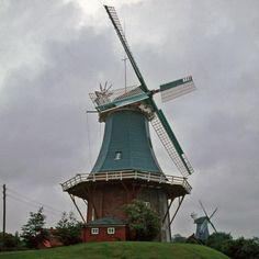 The twin Windmills Fantail - GREETSIEL, Krummhorn: western East Frisia, Germany - Individual mills.