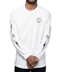 Perfect for oceanic adventurers and nautical themed fans, the Salty Crew Dash White Long Sleeve T-Shirt is sprinkled with screen print graphics on the front left chest, back, and along each sleeve. The graphics feature a fishing boat and Salty Crew logos