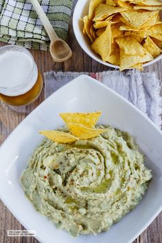 How to make a delicious avocado hummus, easy and quick recipe for pecking - comidas ligeras - Aguacate Raw Food Recipes, Veggie Recipes, Appetizer Recipes, Vegetarian Recipes, Cooking Recipes, Healthy Recipes, Tapas, Healthy Afternoon Snacks, Vegan Hummus