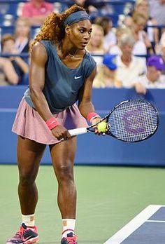Serena Williams, hermana menor de Venus.