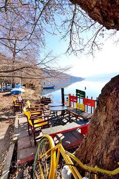 Lake Orestiada, Kastoria, Greece Visit Turkey, Santorini Greece, Ancient Greece, Greece Travel, Greek Islands, Day Trip, The Good Place, Beautiful Places, Scenery