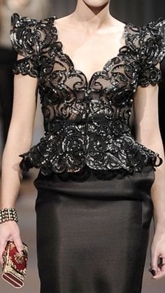 Armani Prive ~Latest Luxurious Women's Fashion - dresses, gown, shoes, bags etc jaglady Couture Details, Fashion Details, Look Fashion, High Fashion, Womens Fashion, Fashion Design, Haute Couture Dresses, Couture Fashion, Elegant Dresses