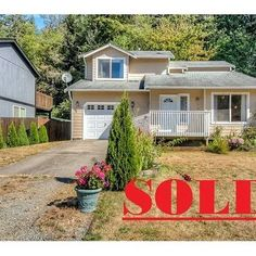 Congratulations to Brett and Kellie on getting the keys to your new home in Wilkeson. I look forward to following up with you and hearing about how your family grows up in this new home of yours. #pnw #Wilkeson #Thisnewhome #realtor2morrow