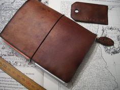 Steampunk style passport Traveler's Notebook by @Monique Otero Vanmeulebrouk Monique Vanmeulebrouk. It's gorgeous!