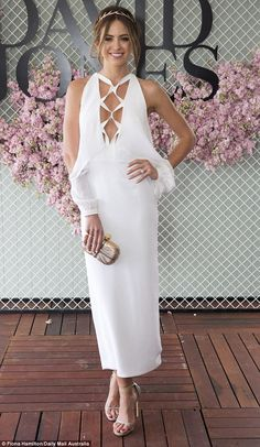 Jesinta Campbell wore Dion Lee and arrived at the Caulfield Cup without her fiance Buddy Franklin alles für Ihren Stil - www. Carnival Dress, Spring Carnival, Melbourne Cup Dresses, White Gowns, White Dress, Caulfield Cup, Dresses For The Races, Races Fashion, Women's Fashion