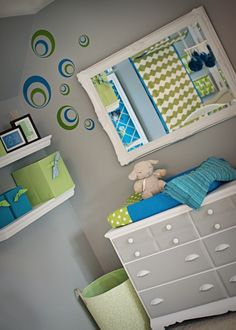 Gray walls, aqua & lime