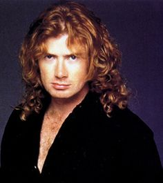 Dave Mustaine with black shirt