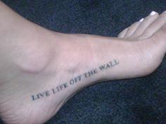 Tattoos inspired by Michael Jackson ღ in fans who love him! @carlamartinsmj Michael Jackson Lyrics, Michael Jackson Tattoo, Lyric Tattoos, Tattoo Quotes, Pretty Tattoos, Beautiful Tattoos, Magic Tattoo, Paris Jackson, King Of Music