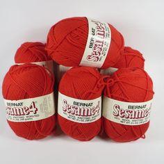 Bernat Sesame Yarn 100/% Virgin Wool 3 Skein Lot Ivory Off White 2 oz NOS Vintage