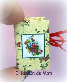 Caja-libro de frutas, escala 1/12, miniatura para casas de muñecas. de MatiMiniaturesCorner en Etsy