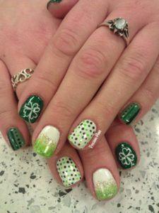 St patrick's day nails irish nails, nails art get nails, fancy nails Green Nail Art, Green Nails, French Nails, Nail Art Vert, Irish Nails, St Patricks Day Nails, Saint Patricks, Water Marble Nail Art, Christmas Nail Art Designs