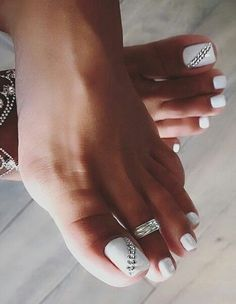 41 Super Ideas For Pedicure Designs White Toenails Nailart Toe Nails White, Pretty Toe Nails, Cute Toe Nails, Pretty Toes, White Toes, Pedicure Nail Art, Pedicure Designs, Toe Nail Designs, White Pedicure