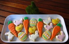 Mini Easter cookies platter