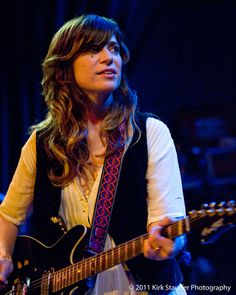 Saw Nicole Atkins open for Fountains of Wayne @ The Double Door in spring, and I fell in love with her voice.