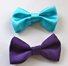 Are you looking for a bow tie for your little guy? Here is a handsome bow tie made out of purple gingham fabric. He will be voted the most stylish at yur next Special Event!    ~ Made from 100% cotton fabric  ~A traditional bow tie clip on back. ~ Size: 4 inches long by 2 inches wide.      Please read our Shop policies so you are familiar with how we work. We want you to have the best shopping experience possible. We have lots more Bridal and Special Event Accessories and Vintage Finds in…