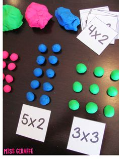 Multiplication facts are fun when there is dough involved! Have kids build their multiplication problems with dough to solve Maths 3e, Teaching Multiplication, Teaching Math, Multiplication Strategies, Repeated Addition Multiplication, Teaching Division, Ks2 Maths, Division Games, Teaching Geometry