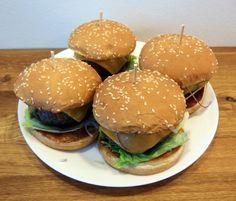 Domácí hamburgery Ethnic Recipes, Food, Essen, Meals, Yemek, Eten