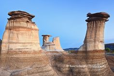 badlands in alberta | Hoodoos in the Alberta Badlands. Drumheller, Alberta, Canada.