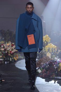 Raf Simons Fall 2018 Menswear Collection - Vogue