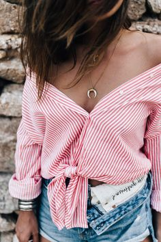 Off-the-Shoulder Knotted Blouse Summer Outfits, Casual Outfits, Girl Outfits, Cute Outfits, Fashion Outfits, Summer Clothes, Fashion Tips, Greece Outfit, Blouse Outfit