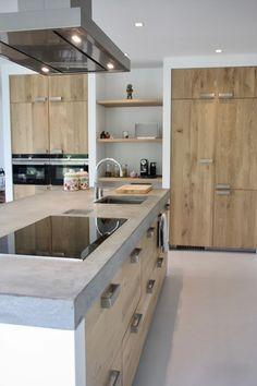 counter top Koak Design makes real oak doors for IKEA kitchen cabinets. Koak + IKEA = your design! Kitchen Furniture, Kitchen Interior, Kitchen Dining, Kitchen Decor, Kitchen Cabinets, Kitchen Wood, Kitchen Island, Kitchen Ideas, Ikea Cabinets