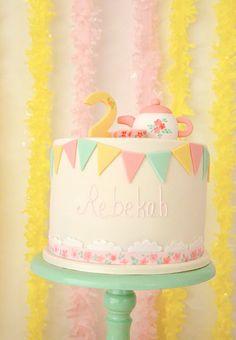 Tarta en tonos pastel... preciosa!!