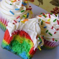 Cupcakes arc-en-ciel @ qc.allrecipes.ca RECETTE COMPLÈTE