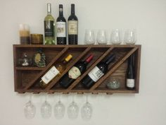 40 DIY Wine Rack Projects to Display Those Lovely Reds and Whites - Neue Ideen Wood Wine Racks, Wine Rack Wall, Dyi Wine Rack, Pallet Wine Rack Diy, Wine Rack Plans, Wine Shelves, Wine Storage, Pallet Shelves, Craft Storage