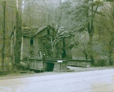 "William Anderson ""Cap"" Hatfield home at Sarah Ann, West Virginia"