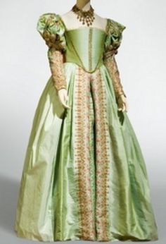 Anne Boleyn Green Dress replica. The song assigned to Henry VIII as Greensleeves mayhap referred to this dress of Anne's.