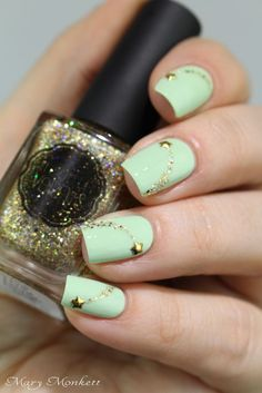 Perfect Nail Art is not enough, appropriate selection of color also plays vital role. Here comes the collection of Most Popular Spring Nail Colors Of 2019 Mint Green Nails, Mint Nails, Green Nail Art, Funky Nail Art, Funky Nails, Love Nails, Pretty Nails, Mint Nail Designs, Pretty Nail Designs