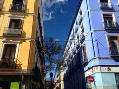 #contrast #contrastes #madrid #madriz #mad__riz #madridmemola #malasaña #malasañamola #vidamadrid #vidamadrid #themadridbible  Buenos días  by mad__riz