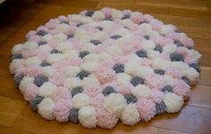 Pom pom rug/handmade modern rug/ nursery rug/ nursery decor/ kids bedroom rug/rose pink-grey round shape rug