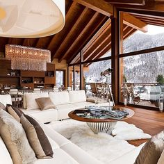 what a cozy lodge Chalet Zermatt, Alpine Chalet, Ski Chalet, Cabin Homes, Log Homes, Ideas Cabaña, Chalet Design, Chalet Style, Chalet Interior