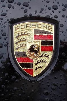 Porsche Automobil Holding SE, usually shortened to Porsche SE a Societas Europaea or European Public Company, is a German automotive manufacturer of luxury high performance automobiles,. Porsche Logo, Logo Bmw, Porsche Boxster, Porsche 911, Black Porsche, Car Badges, Car Logos, Porsche Modelos, Muscle Cars