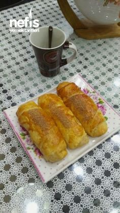 Çok Kabaran Patatesli Börek Puf Puf Empanadas, Hot Dog Buns, Tart, French Toast, Food And Drink, Appetizers, Yummy Food, Bread, Cooking