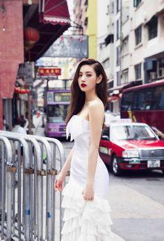 Nana 💗💗💗 at Man Mo Temple, 124 Hollywood Rd, Hong Kong Island. One Magazine shoot, 2015 😄 Korean Beauty, Asian Beauty, Natural Beauty, Asian Woman, Asian Girl, Im Jin Ah Nana, Nana Afterschool, Hongkong, Orange Caramel
