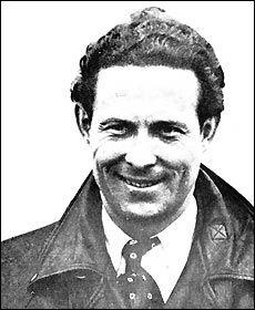 """Jean Mermoz - Le plus célèbre - pilote militaire - entre chez Latécoère en 1924, puis Casablanca-Dakar puis  à Amérique du Sud en 1927 - principal rôle pour construire la Ligne entre le Brésil et le Chili. Première traversée postale St Louis du Sénégal-Natal avec Dabry et Gimié en 1930. Le 7 décembre 1936 il trouve la mort alors qu'il accomplissait sa 24ème traversée de l'Atlantique Sud, avec l'hydravion """"Croix du Sud"""". Appelé """"l'archange"""" Mermoz est la figure emblématique de l'Aéropostale. Aeropostale, Jean Mermoz, Military Jets, Air France, Jolie Photo, Casablanca, Churchill, St Louis, Wwii"""