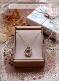 Christmas gifts inspiration! Today's favorite: this beautiful Chrystal Stone Golden Necklace from Essyello! Don't you just love it? You can shop the necklace here: http://shop.kiboots.com/shark-tooth-necklace-1693.html <3 Kiboots  #Kiboots #Amsterdam #Conceptstore #Online #Gift #Christmas #Holiday #Accessories #Jewelry #Bohemian #Boho #Hipster #Hippie #Essyello