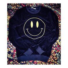 New Sweatshirt CINIGLIA Smile ! #art #AI15 #autumn #amazing #Berna #bernaitalia #fall #fw15 #fashion #smile #ciniglia #blue #man #woman #top #follow Autumn, Fall, Street Style, Sweatshirts, Amazing, Instagram Posts, Sweaters, Smile, Blue