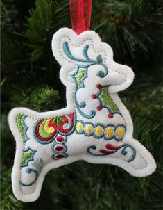 Christmas Reindeer Ornament (In-the-Hoop) design (X11746) from www.Emblibrary.com