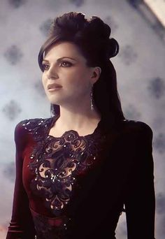 Lana Parrilla , evil Queen . She kind of reminds me of Priscilla presley here