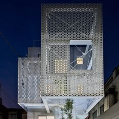 Hiroyuki+Moriyama+completes+Tokyo+apartment+building+with+a+perforated+skin